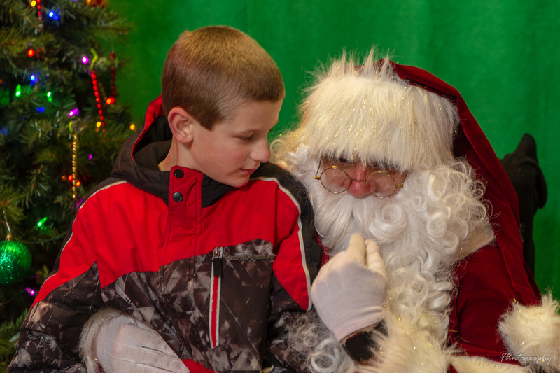 Dec 14 2018 Pictures with Santa - Lights of the Northwoods