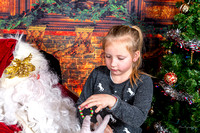 1047 Pictures with Santa 20191215 (4772 x 3182)-Flintography